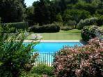 Charmante studio met zwembad en tennisterrein
