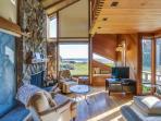 Beautiful ocean bluff retreat w/ private hot tub, sauna, & shared pool!