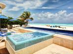 Private spacious villa - freshwater pool & Jaccuzi