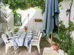 Poderá passar excelentes momentos em família ou entre amigos no terraço.
