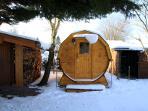 Fass-Sauna im Winter