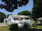 Great summer cottage near beaches and Newport RI