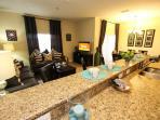 Living & Dining Room / Sala de estar y comedor - ComprandoViajes