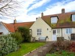 CHEVIOT COTTAGE, multi-fuel stove, enclosed lawned garden, pet-friendly, in