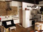 Salotto - Cucina (parete in opus incertum I sec a.C.; pavimento in cotto del 700 d.C.)