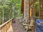 Unwind on the enormous private wraparound deck and tack in the mesmerizing scenery