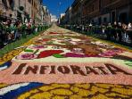 A due passi da casa la tradizionale Infiorata a Genzano di Roma