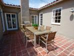 Back Patio/Courtyard w/ Gas BBQ, Outdoor Heater and seating for 10