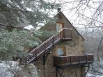 The Loft and Jute Store in winter: great for skiing and winter walking holidays.