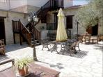 Large communal yard to relax and entertain, perhaps have a nice BBQ with the facilities available.