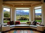 Bay window seating, panoramic mountain views