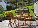 Oitdoor garden with decking