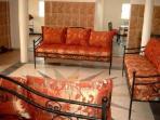 grand séjour 40 m2 avec 3 banquettes lit (200x80)