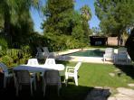 Hermosa casa para disfrutar en familia, piscina, parrilla y horno de barro. cochera cubierta.