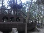 Áreas comunes - Barco Pirata