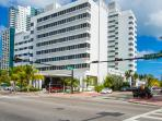 Perfect Location At 18th and Collins Ave