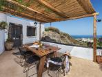 L House - balcony with barbecue and beautiful sea views!