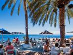 Picturesque Andrago bay at 1km, with some of the best loungebars/restaurants in Moraira.