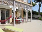 hamac - transats - day-bed vous profiterez de cette magnifique terrasse de 120 m²