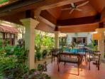 Sala by the pool, perfect for outdoor dining. Includes outdoor soundsystem