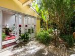 Romantic apartment with private garden