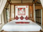 4 poster bed Bungalow 4, Orchid Wing
