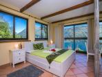 Masterbedroom with lake view