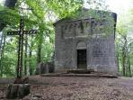 Chiesa dell'Eremicciolo (bosco del Vivo)