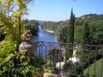 Views of the Dordogne river & the Chateaux of Castlenaud, Marqueyssac, Fayrac & Lacoste - perfect!