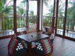 Indoor / outdoor living room
