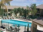 Amazing condo in the heart of Paradise Valley. Overviewing the Pool
