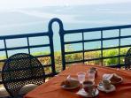 colazione chalet vista mare