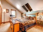 Aspen Stand Bedroom - sleeps 2 in one king bed, shares hall bath with Bystone Bunk Room - Bystone Villa Retreat