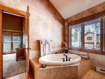 Moonlight Master Ensuite Bath - Bystone Villa Retreat