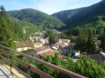 Panorama dal terrazzo su Visso, la Valnerina e i monti  Sibillini