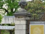 6 mins walk to Kew Gardens