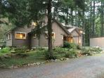 03MBH Large Cabin near Mt. Baker with River Access