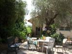 Ilana's Jerusalem Apartments - 3 bdrm apt - studio