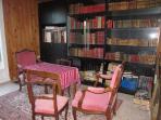 bureau, bibliothèque rez-de-chaussée