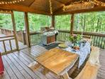 Enjoy a nice dinner on the screened porch