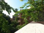 Veranda: vista sul giardino condominiale