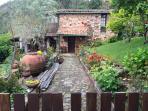 Pretty Schist House in nearby historical Sao Simao