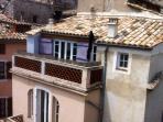 Vue de La Chambre 21 et de sa terrasse.