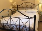 Cottage 2 - Bed 1