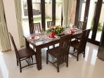 Villa 3 - Dinning Area