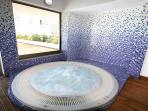 Heated Jacuzzi all year round