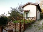 Casa di Cinti: bilocale con giardino e con due ingressi separati