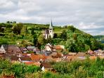 Schönes Weindorf mit  guter Gastronomie und Wanderwegen. Nice wine village with good restaurants
