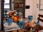 The Lodge è un accogliente monolocale, in centro ben organizzato ed arredato per ospitare 2 persone.