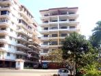 Condo with permanant guard and CCTV. Walking distance to restaurantes, supermarkets, bus stops